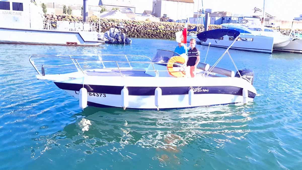 location de bateau coque open Sables Olonne